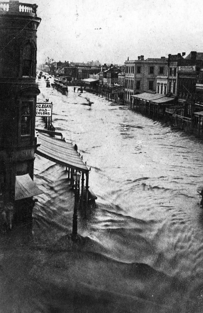 A look back at 100 years of flooding in Melbourne   Herald Sun