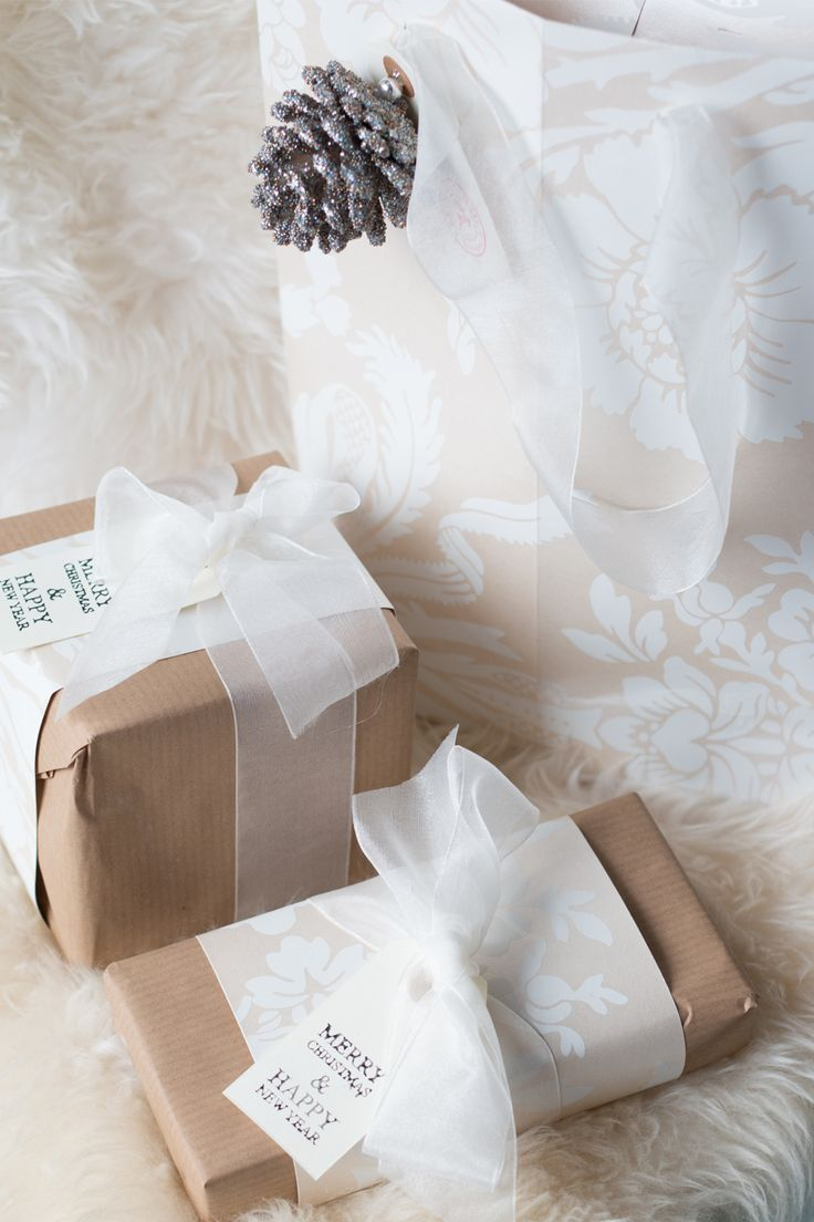 Christmas Tablescapes u0026 Gift Wrap Inspiration Laura