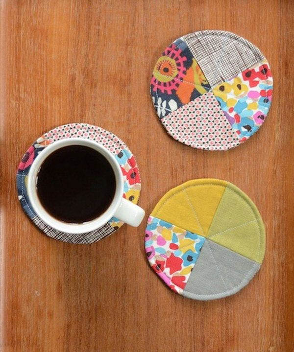Quilted Circle Coasters. A creative way to use up your leftover fabric scraps.  Get the tutorial
