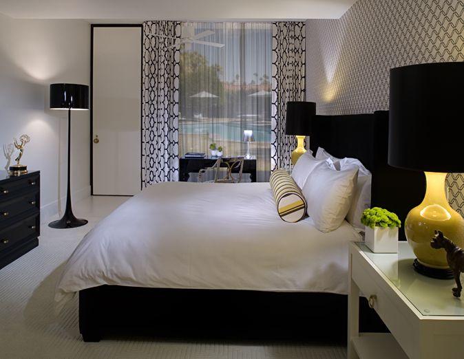 Ткань, желтый и черный спальня, черный и белый дверь, от пола до потолка шторы, черные и белые занавески, марокканских плитки шторы.
