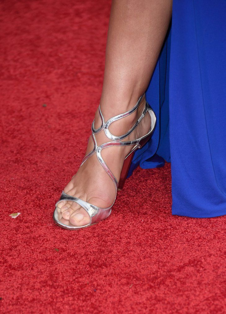 Pin for Later: The Best Shoes, Bags, and Jewels From the 2015 Golden Globes  Cindy Crawford flaunted her metallic heels.