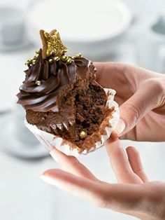 Шоколадный капкейк с кремом ганаш