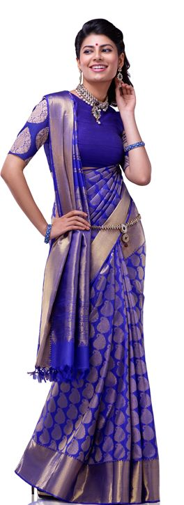 Beautiful Drape of Blue & Gold #Kanjeevaram #Saree <3 (not sure of the completely plain blouse bodice)