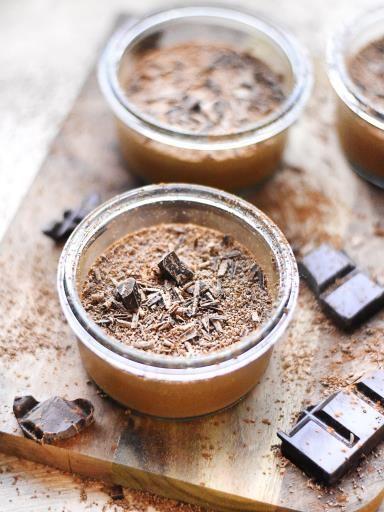 MOUSSE CHOCO FACILE (Pour 4 P : 3 oeufs, 100 g chocolat (noir ou au lait), 1 sachet de sucre vanillé)