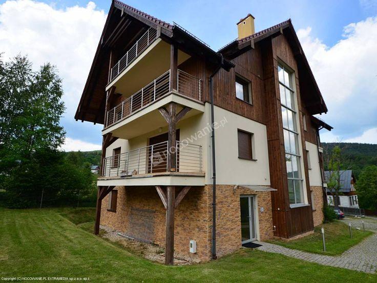 Apartament z niepowtarzalnym widokiem na Góry Izerskie. Szczegóły: http://www.nocowanie.pl/noclegi/szklarska_poreba/apartamenty/140509/