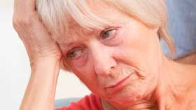 Un artículo de Elena Lite, psicóloga deGrupo Las Mimosas La demencia con Cuerpos de Lewy es una enfermedad neurodegenerativa con inicio entre los 70 y 80 años. Se desarrolla cuando se acumulan en ciertas áreas del cerebro unas estructuras llamadas cuerpos de Lewy y constituye más del 10% de todos los casos de demencia. Algunos …