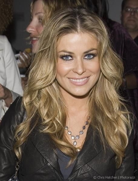 carmen electra in wavy hollywood goddess hair with sexy