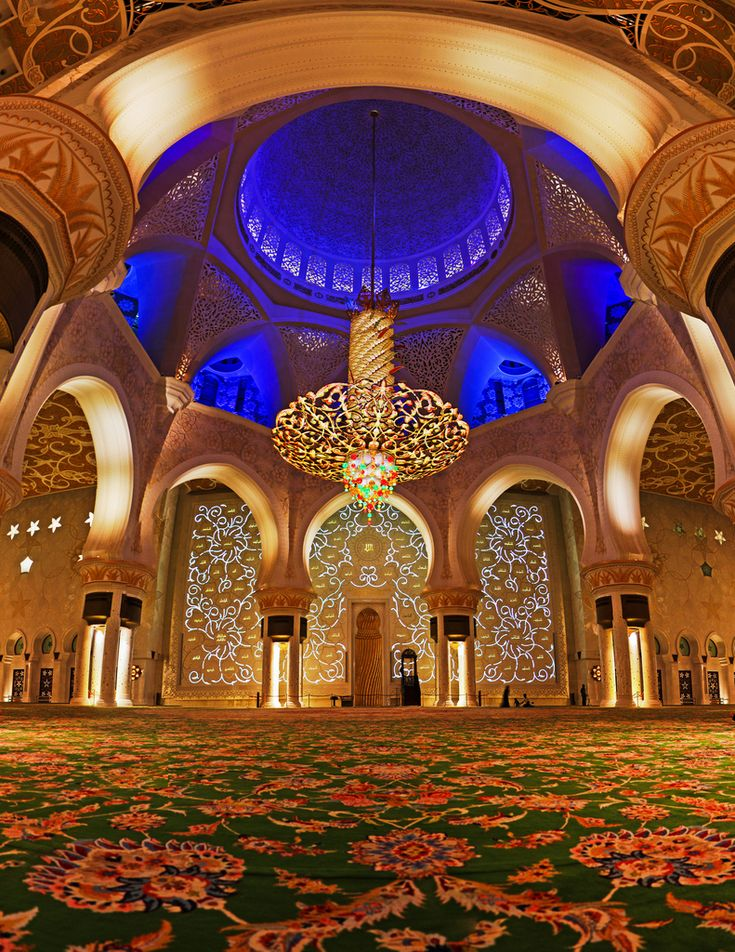 Abu Dhabi's Grand Mosque, from the inside