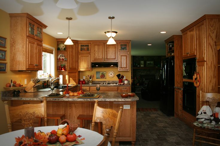 Cabinets kitchen medallion briarwood cabinets in oak for D kitchen andheri east
