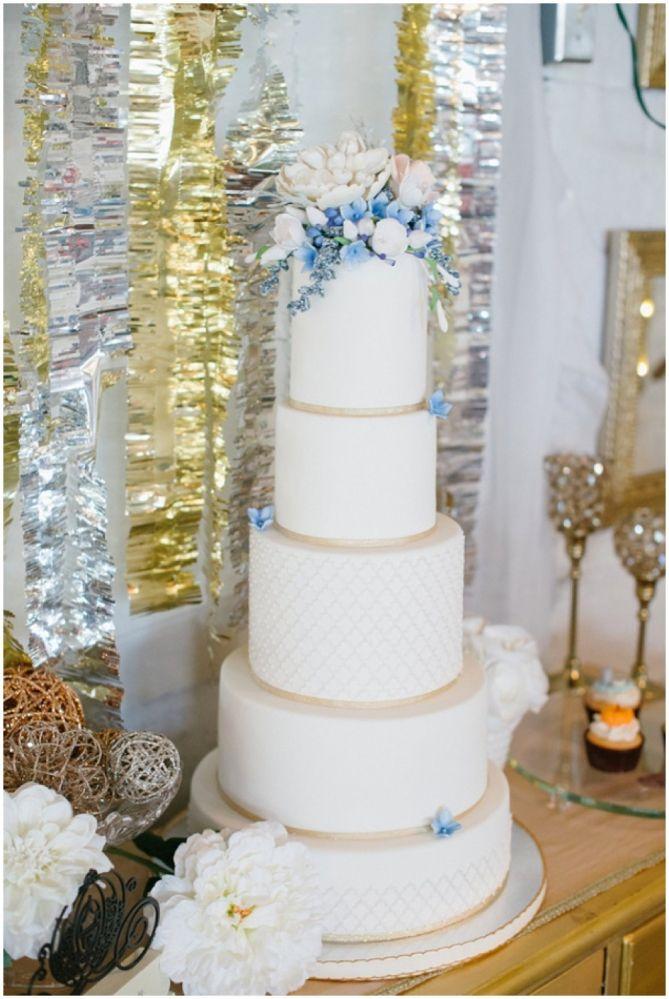 cinderellthemed wedding scroll invitations%0A Snowy Cinderella Pennsylvania Wedding Styled Shoot   wedding cake