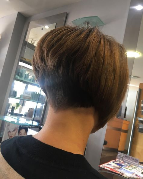 25+ Best Ideas About Stacked Angled Bob On Pinterest