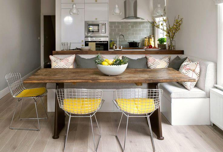 Unas sillas lindas, cancheras y comodas, en vez de banquitos, para la mesa del comedor diario son las Bertoia!