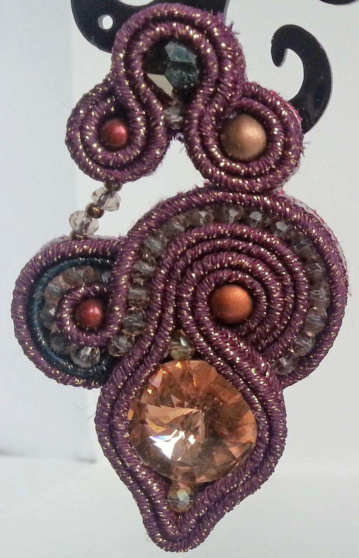 Orecchini soutache S58 con perle Ceche, Swarovski, Rivoli e cristalli