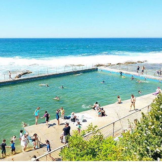 @the_adventurejournal caught this great holiday snap at The Entrance ocean baths. Great personal memories of family holidays of yesteryear. #mylegendarydrive #family #holidays #beach #ocean #swim #aquatic #coastal #nsw #newsouthwales #australia #australialovesyou #beautiful  #beautifulaustralia #beautifuldestinations #roadtrip