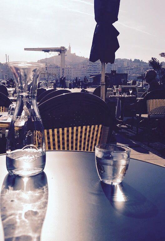 Moment #cosy à la terrasse du #restaurant de l'hôtel Bellevue #Marseille