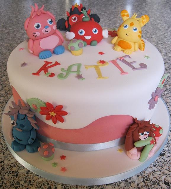 Moshi Monster Cake by Rachel Manning Cakes, via Flickr