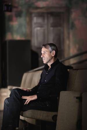 Longread: Met Ivo Van Hove naar het hol van de leeuw in New York | Theater | De Morgen