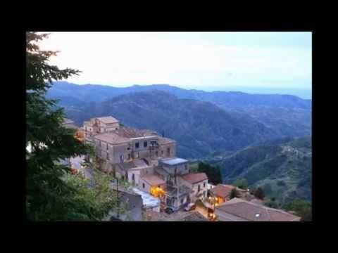 Bova in the heart of the #Aspromonte National Park #viaggiareincalabria #tourism #calabria.
