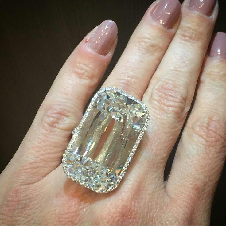 @jillnewman An exceptional 48 carat Ashoka cut diamond ring @ashokadiamond @williamgoldbergdiamonds @kwiatdiamonds @by_couture #thisiscouture @robbreport