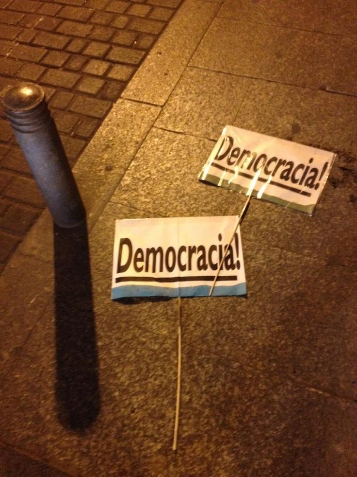 25-S Rodea el Congreso: Más de 20 detenidos en las protestas en torno al Congreso de los Diputados TUITS)