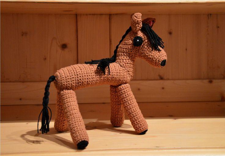 Háčkovaný kůň
