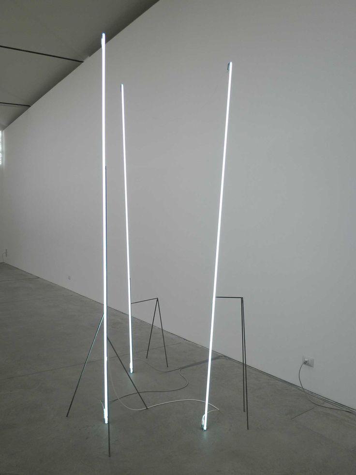 Neon Light Installations, modulo verticale | Massimo Uberti