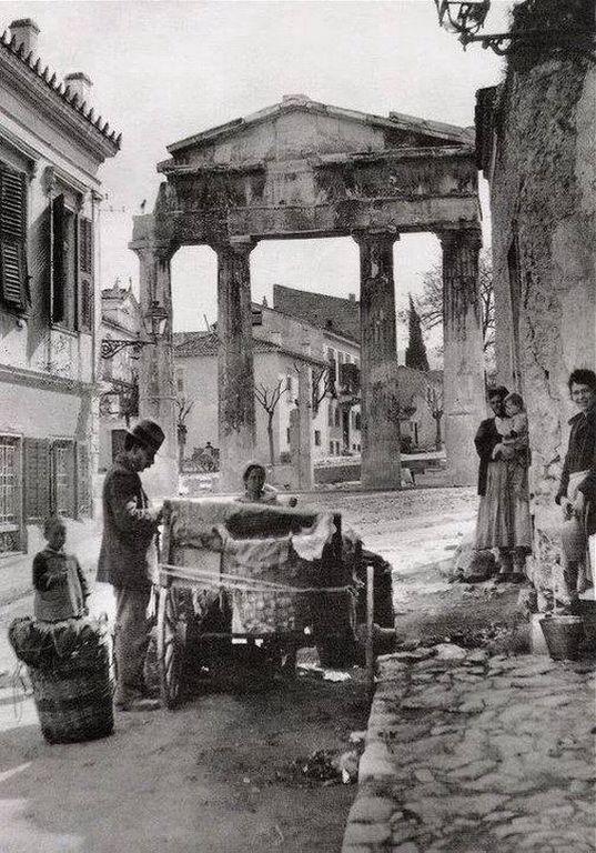 Πύλη της Αθηνάς Αρχηγέτιδος στην Αγορά, 1880