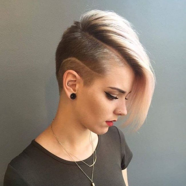 best 25 pixie hairstyles for thick hair undercut ideas on pinterest thick pixie cut short. Black Bedroom Furniture Sets. Home Design Ideas