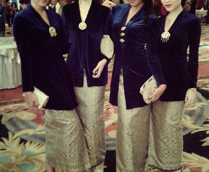 Traditional java kebaya
