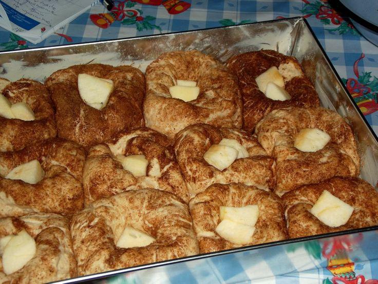 Buchty cynamonowe z jabłkiem