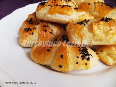 Peynirli Mayalı El açması Kruvasan Börek Tarifi | Yemek Tarifleri
