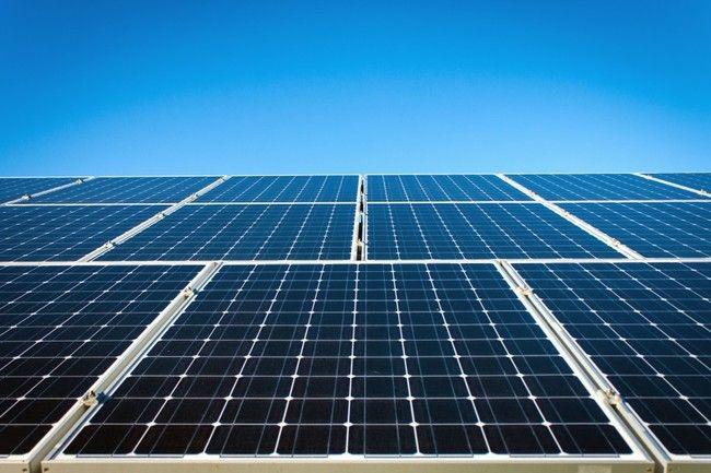 Europa Ya No Pondra Trabas A La Venta De Paneles Solares Chinos Lo Que Le Sentara Mal A La Industria Pero Es Bueno Para Todos Paneles Solares Sistema De Energia Solar