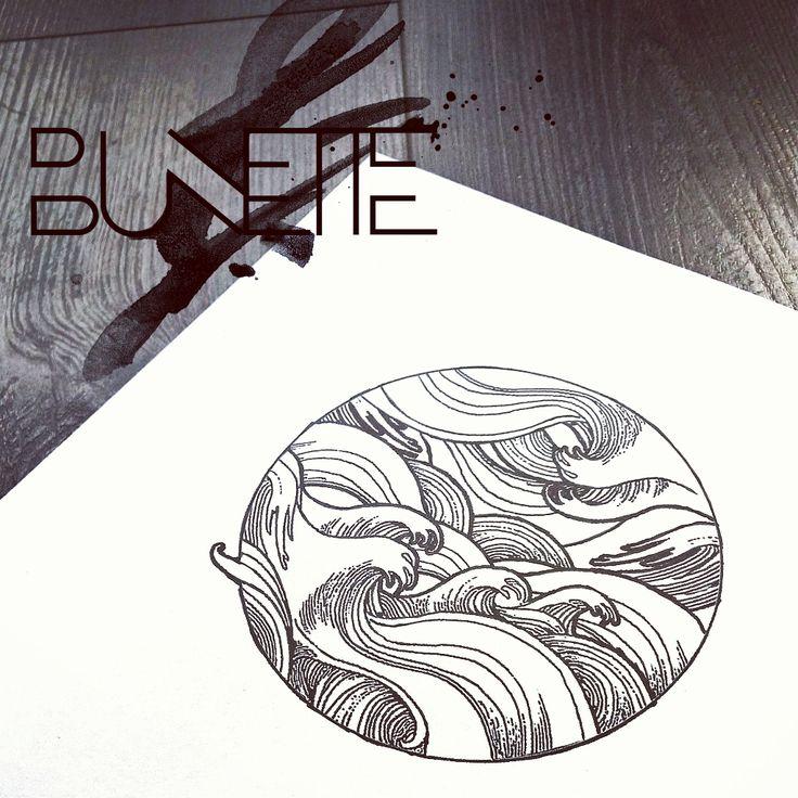 Etching wave circle tattoo bunette