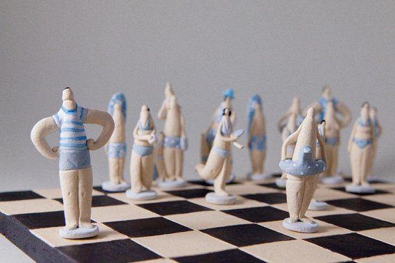 Scacchi - http://www.etsy.com/it/listing/154230663/scacchi-gioco-da-tavolo-porcellanato