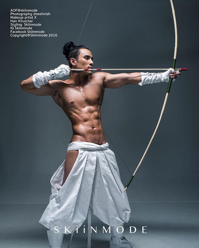Snow warrior #costume #roleplay #cosplay #bara #hot #malemodel #masculine #muscle #white #fighter #abs #6pack #warrior #sexy #Thai #Japanese #samurai #fit #perfectbody #athlete shooting by Leica Q  special thank @ariesares for arrow