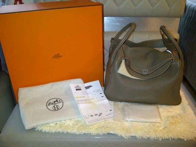 Preowned 95% like new Hermes LINDY 34 ETOUPE.CLEMENCE STAMP Q, COMPLETED SET EXCEPT PAPER BAG!