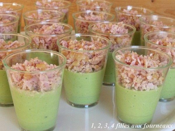 Pour changer des traditionnels gâteaux et feuilletés apéritifs, j'ai réalisé ces petites verrines pour mes invités. Tout le monde a adoré, même les enfants. Calorie par verrine : 54 Prix moyen pour les 15 verrines : 3,20 euros Ingrédients pour 15 petites...