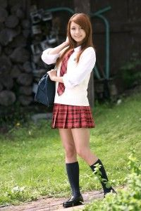 Tina Yuzuki Tina-Yuzuki-very-innocent-and-beautiful-school-girl-200x300