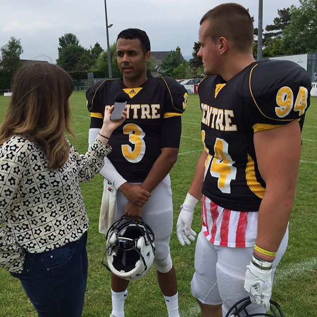 Devin Hayes, Shane Smith & Coach Frye talk to a reporter from the @BBC prior to today's game! #PEV #GoldRush #d3fb