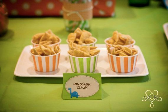 Dinosaur party food labels - Photo by Locke Photography - https://www.facebook.com/pages/Locke-Photography/142109038032