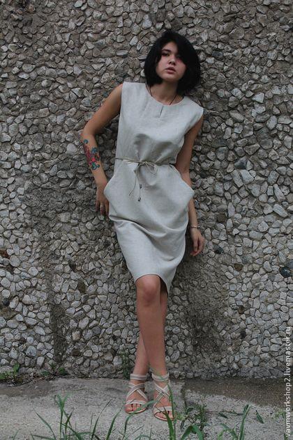 Купить или заказать Платье льняное из серии 'Камни' в интернет-магазине на Ярмарке Мастеров. Платье из серии 'камни'. Выполнено из плотного фактурного льна. Силуэт свободный, чуть сужающийся книзу. Имеются глубокие карманы в швах. В талии перехватывается поясом из вощеного шнура.