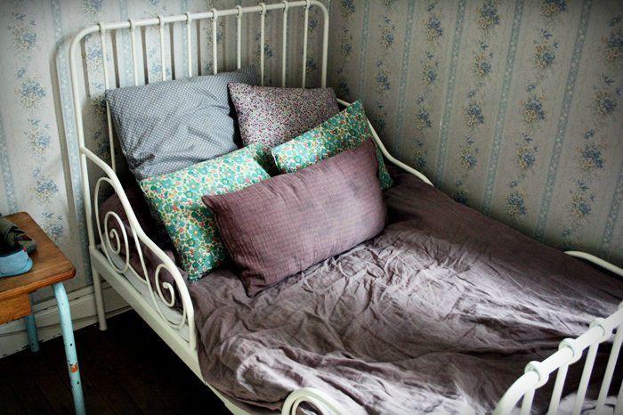des vieux draps de lin de la teinture old linen. Black Bedroom Furniture Sets. Home Design Ideas