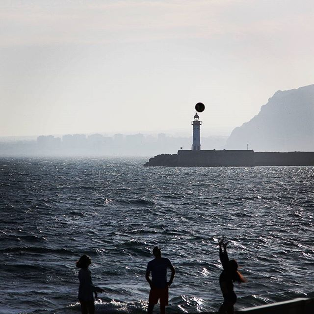 Jugando en la playa #almeria #spain #beach