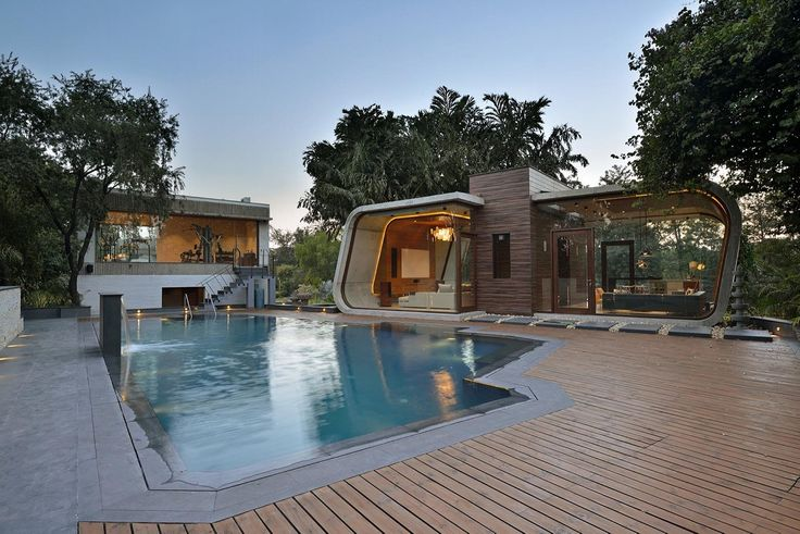 Необычный дом Pool House в Индии от студии 42mm Architecture http://archiq.ru/neobyichnyiy-dom-pool-house-v-indii-ot-studii-42mm-architecture/