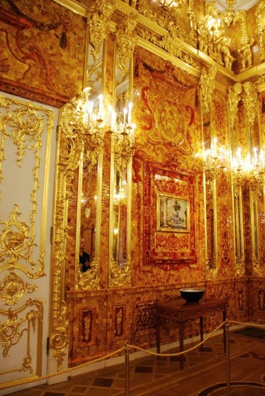 The amber room, Catherine's(myfemmeownselfs)palace, Prusia. where my other bowl an candelabras went. to myfemmeonwself palaces.
