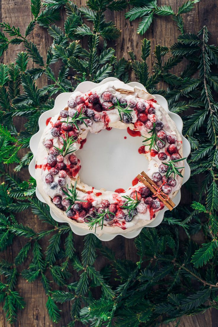 Pavlova Wreath With Sugared Cranberries by@lumadeline
