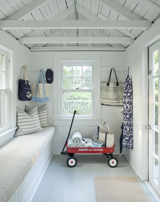 Charmant I Love The White In The Interior Of This She Shed As Well As The