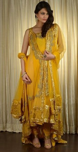 Beautiful Mehndi Dresses For Girls Check out more desings at: http://www.mehndiequalshenna.com/