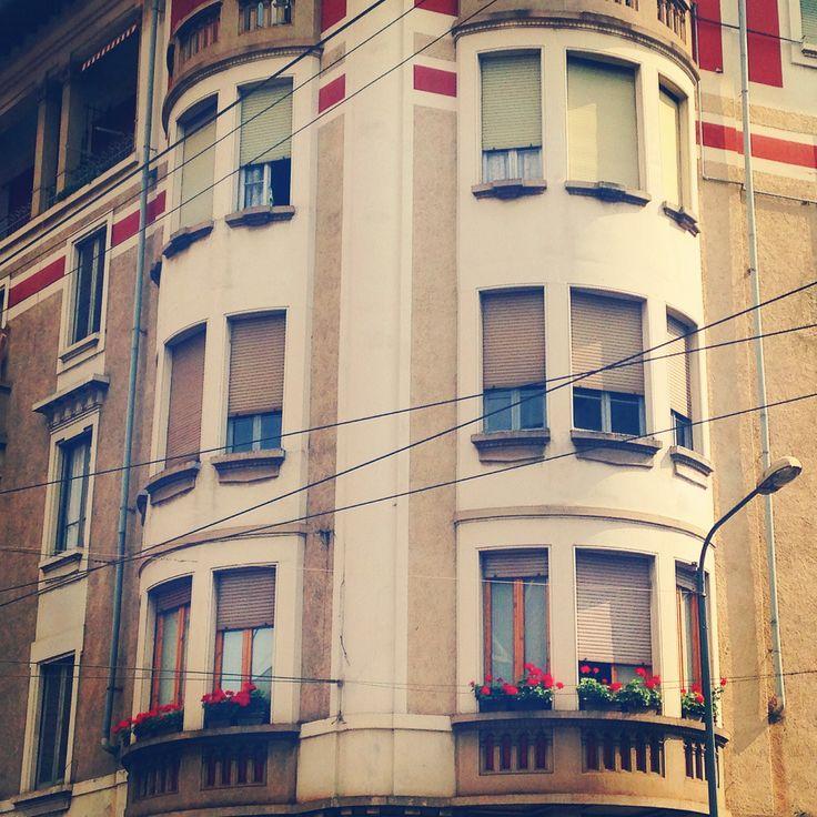 Viale Coni Zugna in Milano, Lombardia http://omnesgreen.tumblr.com #omnes #omnesgreen
