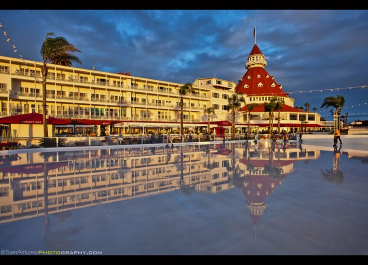 Skating by the Sea at the Hotel del Coronado – San Diego, California | Here's a unique Southern California Christmas experience, outdoor ice skating while overlooking the Pacific Ocean with the sun setting.